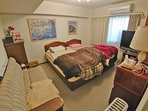 中古マンション-賀茂郡東伊豆町奈良本 メインベッドルームは約8帖の広さがございます。
