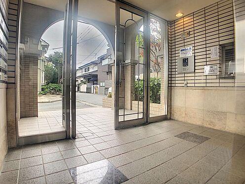 区分マンション-福岡市城南区別府6丁目 オートロック付きのエントランスです。