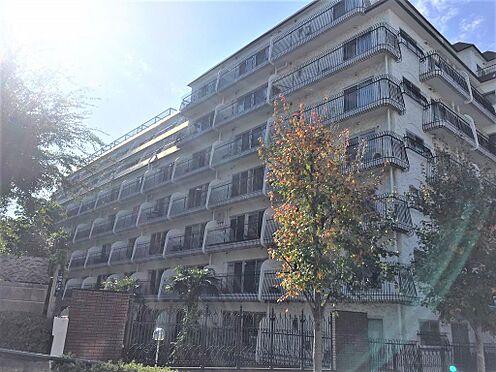 マンション(建物一部)-港区三田2丁目 オートロック。2面バルコニーの為、風通し良好