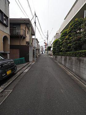 中古一戸建て-渋谷区富ヶ谷1丁目 前面道路含む現地写真
