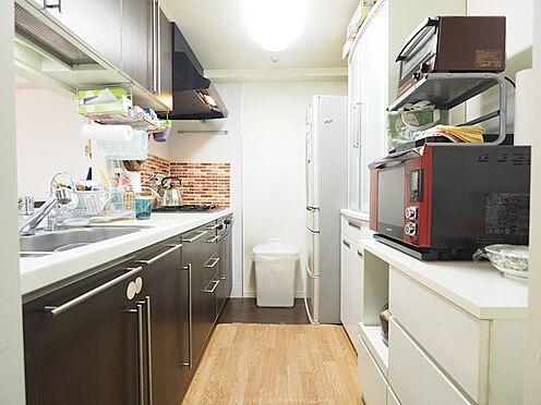 中古マンション-浦安市東野2丁目 3.3帖キッチン。収納も豊富です。