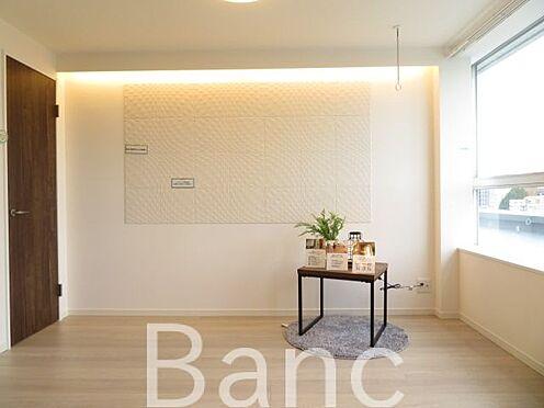 中古マンション-文京区湯島4丁目 梁の無いお部屋で家具の配置がしやすい間取りです