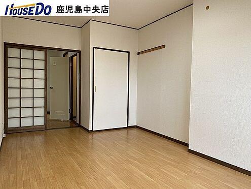 マンション(建物一部)-鹿児島市甲突町 洋室8畳あります。