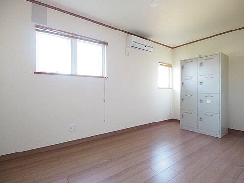 店舗事務所(建物一部)-大網白里市季美の森南3丁目 休憩室は南と東に窓があり、明るいです