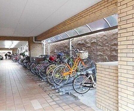 中古マンション-大阪市城東区中央3丁目 綺麗に整理整頓された駐輪場です