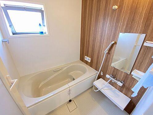 中古一戸建て-岡崎市梅園町字2丁目 1日の疲れを癒すバスルーム。足を伸ばしてくつろいでくださいね。