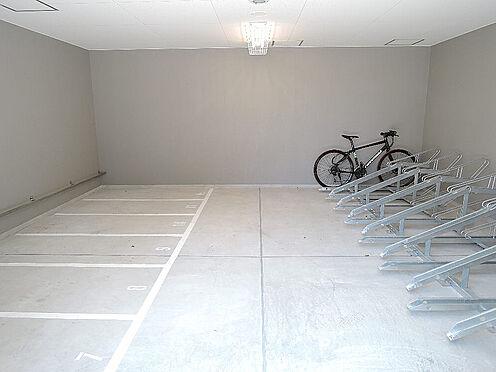 マンション(建物一部)-大阪市西区川口3丁目 自転車やバイクも置けます。