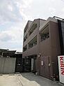西武新宿線武蔵関駅徒歩6分。総戸数31戸。