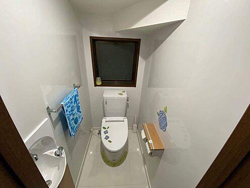 中古一戸建て-小牧市篠岡1丁目 手洗器付き・清潔感のあるトイレです。