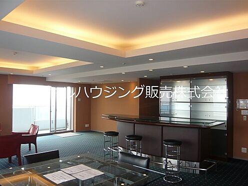 中古マンション-横浜市神奈川区栄町 32階ビューラウンジでは貸切りパーティーもお楽しみいただけます。