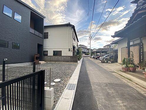 戸建賃貸-豊田市小坂町13丁目 前面北側公道幅員約3.3m