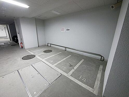 マンション(建物一部)-大阪市浪速区桜川2丁目 バイク置場もあるので移動も楽々。