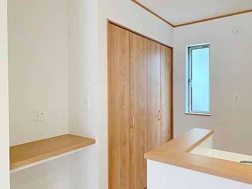 新築一戸建て-多摩市桜ヶ丘3丁目 2号棟キッチン横カウンタースペース