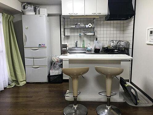 中古マンション-名古屋市中区栄3丁目 キッチンはコンパクトですが、1人分の食事を作るには十分です