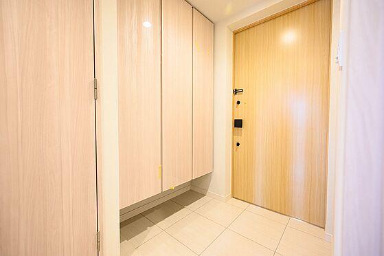 中古マンション-渋谷区神宮前2丁目 トール型下足入れ付玄関