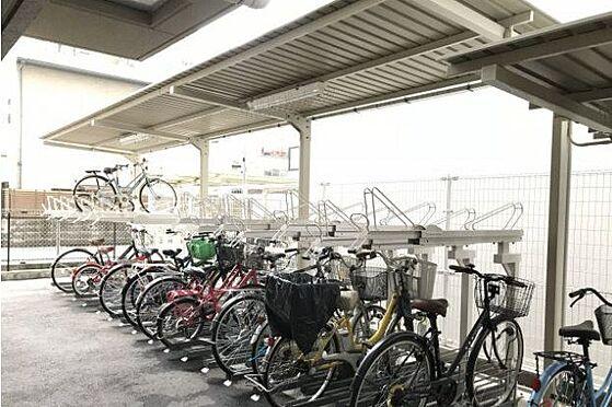 マンション(建物一部)-神戸市中央区古湊通2丁目 駐輪場もあるので駅や繁華街へのアクセスも楽々。