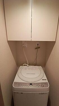 中古マンション-新宿区下落合3丁目 洗濯機置き場・上部収納棚