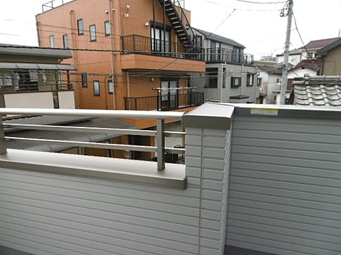 新築一戸建て-相模原市緑区橋本4丁目 2号棟のバルコニーから南側を望む