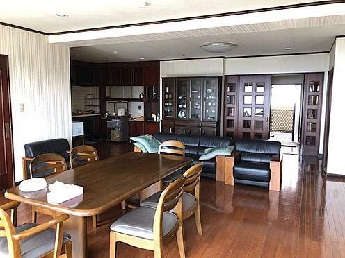 中古マンション-伊東市富戸 約30帖のリビングです。