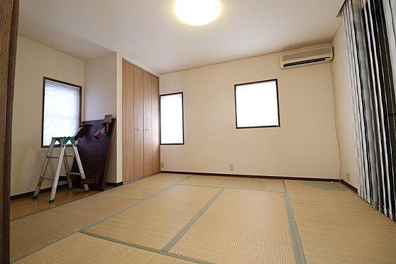 中古一戸建て-多摩市唐木田1丁目 平成25年7月にリフォーム済みの和室。和室から庭に出ることもできます。