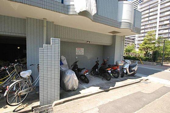 区分マンション-神戸市長田区大橋町3丁目 自転車やバイクも置けるから便利です。