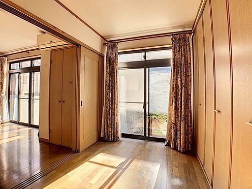 中古一戸建て-名古屋市守山区大屋敷 リビングの横の洋室。リビングのすぐ横なのでお子様のお部屋としても最適!