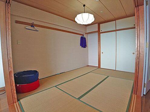 中古マンション-賀茂郡東伊豆町奈良本 リビングダイニングスペースに隣接した和室です。