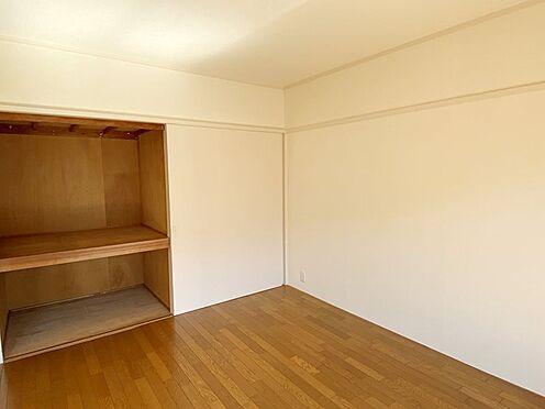 中古マンション-八王子市鹿島 南東側洋室約6.5帖収納