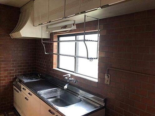 戸建賃貸-尾張旭市旭台2丁目 キッチンには窓が有り、明るいです。換気にも便利♪