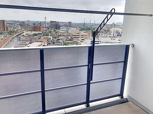 区分マンション-東海市高横須賀町御洲浜 ベランダに物干しが付いていて便利です!