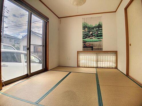 戸建賃貸-安城市和泉町八斗蒔 リビング横に和室を配置!居室や来客用として、また小さなお子様のお昼寝スペースとして活躍します!