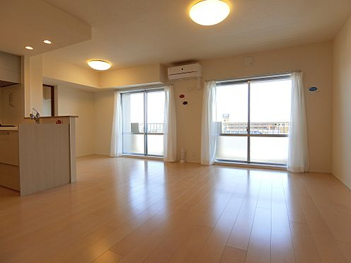 中古マンション-新潟市中央区南出来島2丁目 明るくゆったりとしたリビングダイニング
