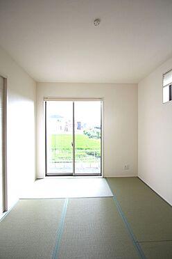 戸建賃貸-大和高田市大字吉井 リビングと離れた位置にあり、寝室としてもご利用頂けます