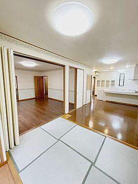 戸建賃貸-浦安市舞浜3丁目 畳の下にはヒーターも内蔵されており、冬場も暖かく過ごせます。