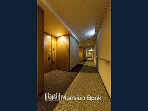 中古マンション-中央区晴海2丁目 こちらは、マンション共用部、内廊下の写真です。