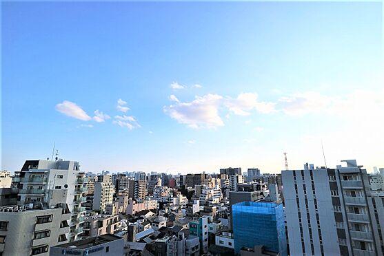 区分マンション-台東区日本堤2丁目 リビングダイニングキッチンの窓 南西方向の眺望です