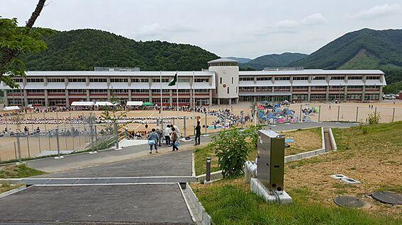 建物全部その他-豊能郡能勢町片山 能勢町立能勢小学校・中学校 約750m(徒歩10分)