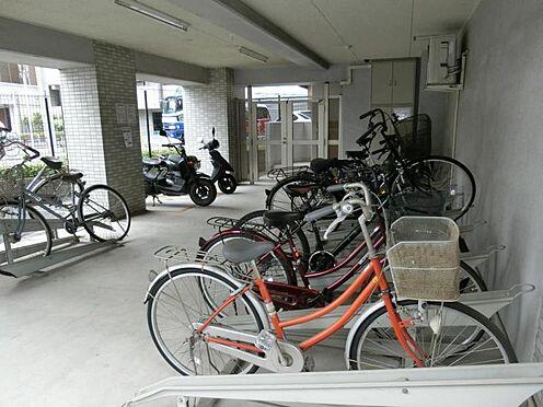 マンション(建物一部)-所沢市西所沢1丁目 自転車置き場 広い自転車置き場があります。