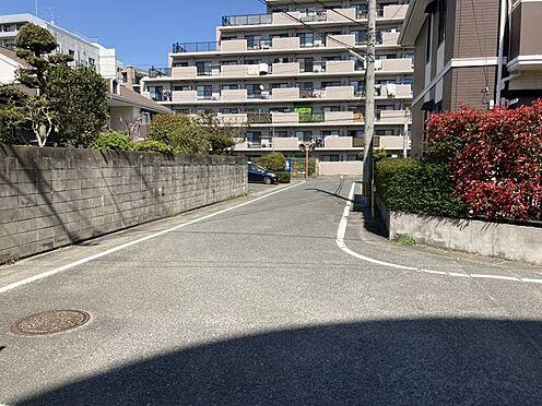 区分マンション-春日市須玖南5丁目 前面道路です!閑静な住宅街にありながら、周辺環境充実してます♪