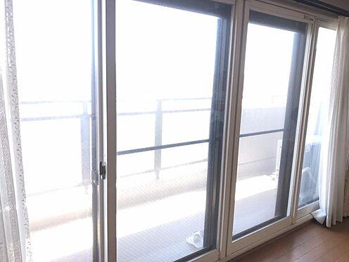 中古マンション-知多市八幡新町3丁目 大きな窓から暖かい光が差し込みます!