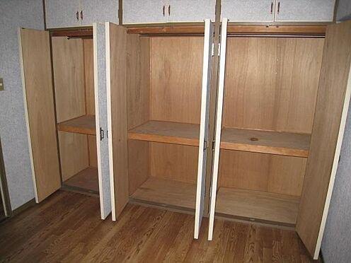 マンション(建物一部)-北九州市八幡西区岸の浦2丁目 賃貸人が入居前の写真です。リビングに収納スペースがあり便利です。