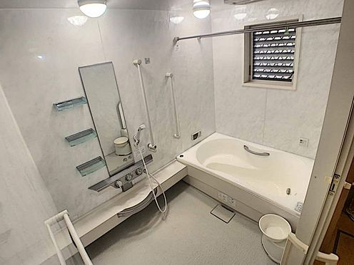 戸建賃貸-名古屋市西区清里町 広い浴槽は一日の疲れを癒してくれます!