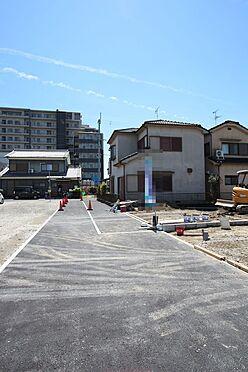新築一戸建て-大和高田市大字有井 前面道路幅は交通量が少なく、小さなお子様がいらしても安心。とっても静かな環境です