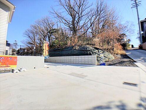 新築一戸建て-名古屋市守山区小幡北 お客様を呼んでも安心できる駐車スペース。