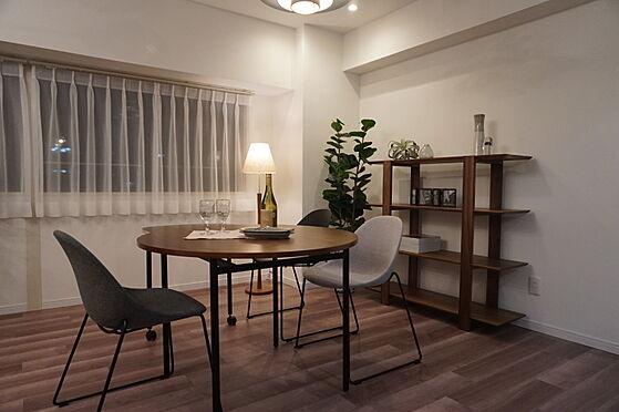 中古マンション-岡山市北区弓之町 ダイニング 掲載中の家具等は販売価格に含まれません。