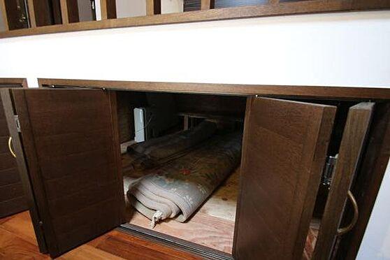 中古一戸建て-熱海市伊豆山 キッチン下部は収納スペースとして利用されていらっしゃいます。
