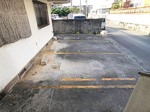 アパート-中頭郡読谷村字比謝 駐車場