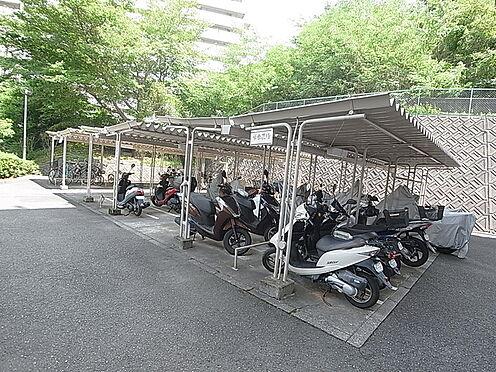 マンション(建物一部)-神戸市北区山田町小部字南山 屋根付きの駐輪スペース