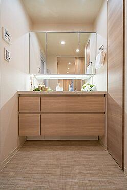 中古マンション-港区赤坂6丁目 三面鏡付洗面化粧台