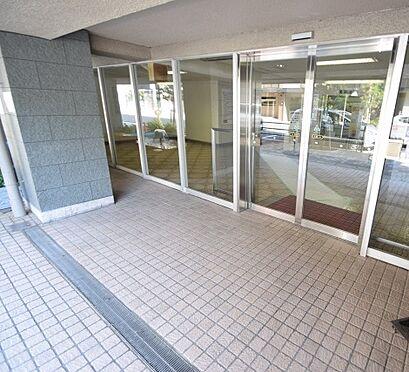 マンション(建物一部)-大阪市西区南堀江1丁目 清潔な印象のエントランス。